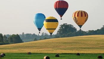 Gaisa balonu festivāls, Tēva dienas festivāls, un citi pasākumi nedēļas nogalē.