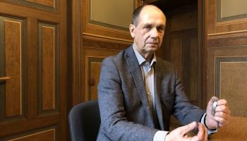 Barikāžu stāsti: Renārs Zaļais un aproce ar asinsgrupu