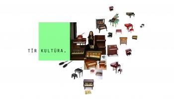 Spēles ar rotaļu klavierēm. Amerikāņu komponiste, pianiste un kuratore Filisa Čena
