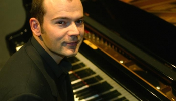 """Pianists Armands Ābols atskaņo Lavina """"Andu svītu"""" un Prokofjeva """"Romeo un Džuljetu"""""""