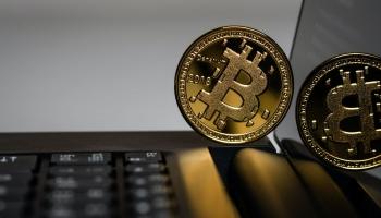 Kā darījumus finanšu pasaulē ietekmēs kriptovalūtas pieaugošā popularitāte?