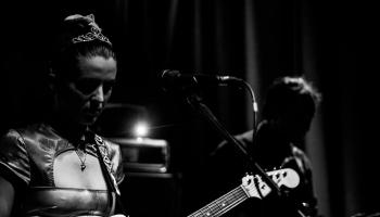 """Jaunākie """"indiepop/rock"""" albumi no Lielbritānijas"""