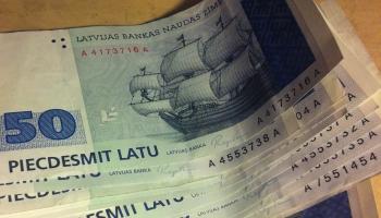 Joprojām vairāki desmiti miljoni latu nav samainīti pret eiro