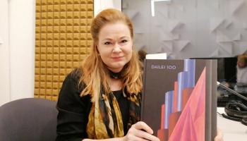 Dailei 100. Pārlapojam teātra jubilejai veltīto grāmatu kopā ar sastādītāju Evitu Mamaju