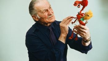 Vai zini, kādā vecumā Arnolds Burovs pievērsās animācijai?