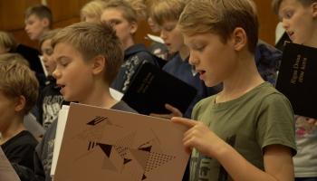 Rīgas Doma zēnu koris ieraksta Raimonda Tigula mūzikas albumu