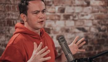 Krustpunktā - Brīvais mikrofons ar komiķi Edgaru Bāliņu