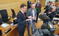 Uz pirmo sēdi sanākusi jaunā sasaukuma Rīgas domes deputāti