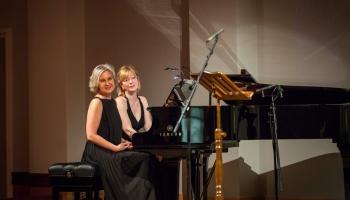 Pianiste Dace Kļava: divu klavieru saspēle jau iegājusi asinīs