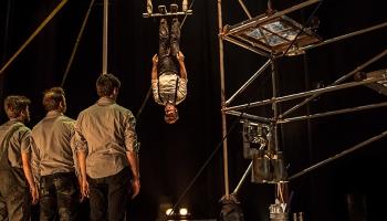 Machine de cirque un ģimeniskā maģija Rīgas cirkā