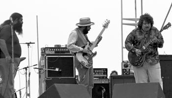 """Amerikāņu blūzroka mūziķu apvienība """"Canned Heat"""" muzicē jau kopš 1965.gada"""