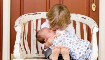 Bērniem svarīgi jau pirmsskolā mācīt būt iejūtīgiem pret citiem