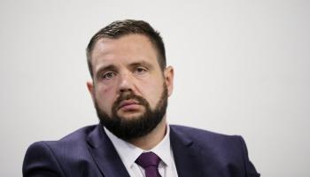 Saeima ekonomikas ministra amatā apstiprināja parlamentārieti Jāni Vitenbergu