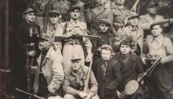 """Cikls """"Pret Goliātu"""" - pretošanās kustības Latvijā. Nacionālo partizānu cīņas"""