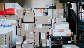Pieaug starptautisko sūtījumu skaits: Ar kādiem izaicinājumiem saskaras piegādātāji