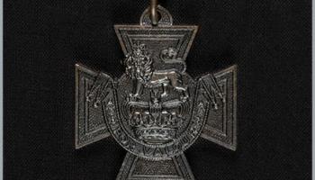 21. jūnijs. Krimas karā pirmo reizi pasniedz prestižo apbalvojumu - Viktorijas krustu