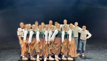 """Iepazināmies ar Krimūnu tautas nama bērnu deju kolektīvu """"Bitītes"""""""