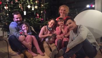 Strantu ģimene gatavojas Ziemassvētkiem