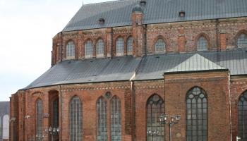 Krustpunktā diskusija: Joprojām nav atrisināts Pētera baznīcas īpašuma tiesību jautājums