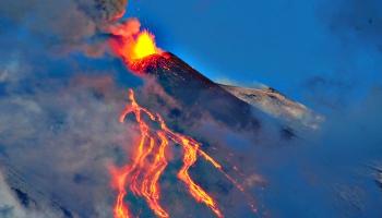 Lielie vulkāni nesnauž