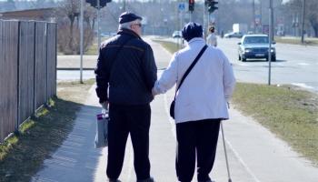 Sudraba paaudze, novecošanas kvalitāte un spēja būt kopā. Saruna par senioriem