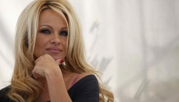 1. jūlijs. Dzimšanas diena aktrisei, TV personībai un rakstniecei Pamelai Andersonei