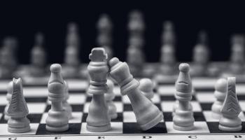 8. janvāris. Bobijs Fišers 14 gadu vecumā kļuva par ASV jaunāko šaha čempionu