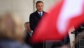 Европа за неделю: новый старый президент в Польше и протесты в Белграде
