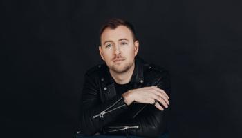 Jānis Stībelis izdod jaunu singlu un sniedz pozitīvus padomus