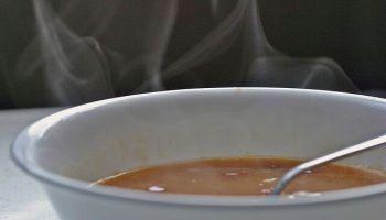 No 21. februāra Rīgā bezmaksas silto ēdienu varēs saņemt arī bez dokumentu uzrādīšanas