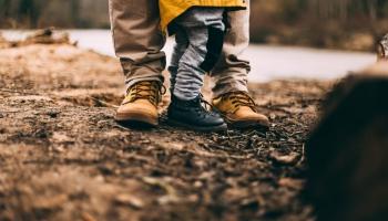 Tēva dienas saruna: Ko tas nozīmē – būt tēvam?
