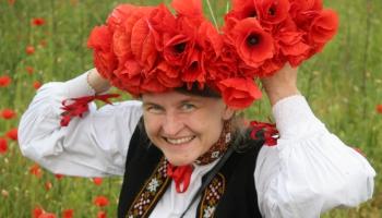 Par sarkanās krāsas lietojumu un nozīmi latviešu tautas dziesmās