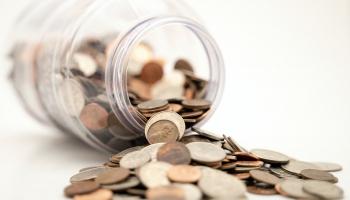 Pirkt un tērēt vai ietaupīt un krāt?