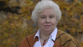 Rakstniece Monika Zīle: Valoda ir nemitīgi jāasina, jātur kā darbrīks