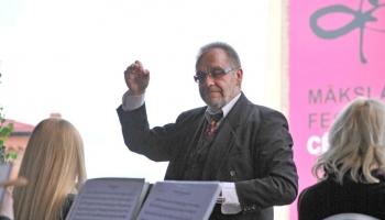 Vijolniekam un komponistam Andrim Riekstiņam – 70