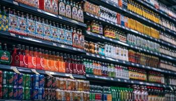 Veikalu atlaides. Cik veikalnieki ir godīgi un kā pircējiem neuzķerties uz krāpniekiem?