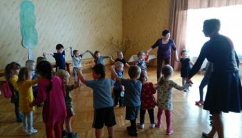 LIZDA kategoriski iebilst iecerei diskutēt par bērnudārzā strādājošo slodžu dalīšanu
