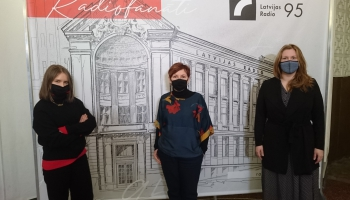 LNMM 300 jaunu mākslas darbu iepirkums. Studijā Iveta Derkusova un Darja Meļņikova