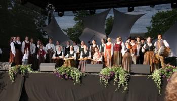 """Dziesmu svētkos dimdinās, dimzinās arī Jelgavas folkloras kopa """"Dimzēns"""""""