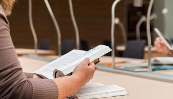 Studijas augstskolā: Ar kādām domām jaunie studenti raugās nākotnē