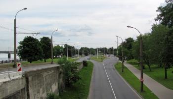Šķērsām Mūkusalas ielai Rīgā
