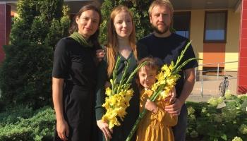 Dimiteru ģimene Amatas pagasta Spārē rīko namdarbniecības kursus