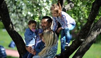 Pieaug pieprasījums pēc valsts atbalsta daudzbērnu ģimenēm mājokļa iegādei