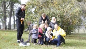 Atvērtība bērnu ienākšanai ģimenē ir pārbaudījums. Baiba un Māris Ozoli audzina 11 bērnus