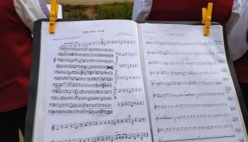 Вышла в свет книга об истории Праздника песни и танца школьников