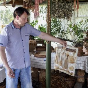 Koku un augu vilnas meistars - tekstilmākslinieks Ritvars Točs
