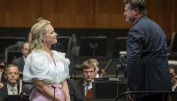 """Elīna Garanča, """"Vīnes filharmoniķi"""" un diriģents Kristiāns Tīlemanis Zalcburgas festivālā"""