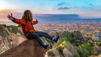 Alternatīvais ceļotājs Nils Aleksis Lipstovs turpina izdzīvot sapni pasaulē