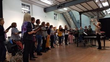 Dziesmu un deju svētkiem čakli gatavojas arī latvieši Vācijā un Šveicē