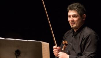 Vijolnieks Georgs Sarkisjans Bēlas Bartoka Sonātē un sarunā